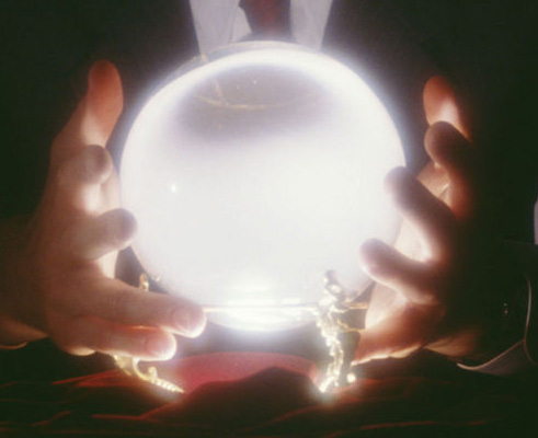 Divination styles: Crystal Ball reading – Des Moines New Age